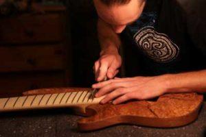 Noé guitares - luthier à Montpellier